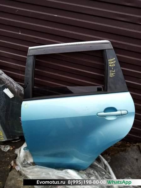 Дверь   TOYOTA IST NCP60  (Тойота Ист) голубой Задн Лев