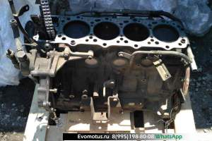 блок двигателя 4M40T на MITSUBISHI DELICA (Мицубиси Делика )
