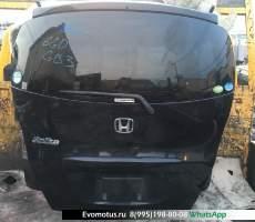 дверь пятая на Honda Freed Spike GB3 (Хонда Фрид Спайк) черный