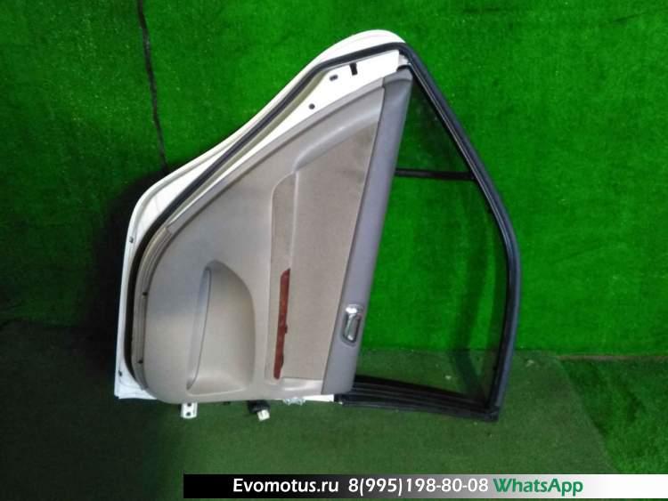 дверь на  TOYOTA CAMRY ACV30;ACV35 (Тойота Камри) БЕЛЫЙ задняялевый